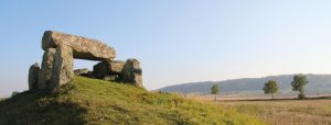 Megalitgravar i Falbygden