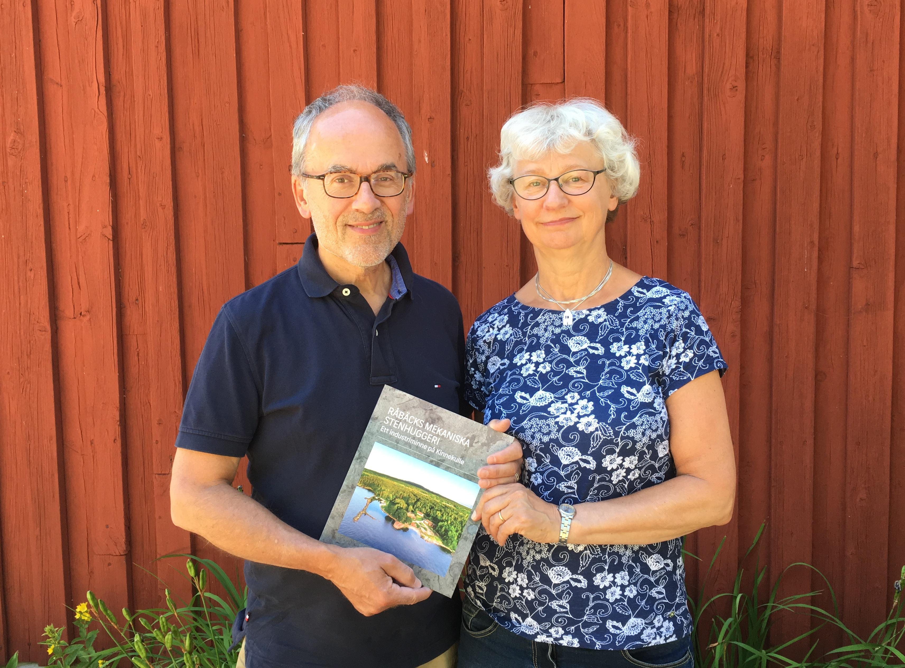 Hallå där Eric Julihn och Eva Björkman, författare till den nysläppta boken Råbäcks Mekaniska Stenhuggeri – ett industriminne på Kinnekulle.